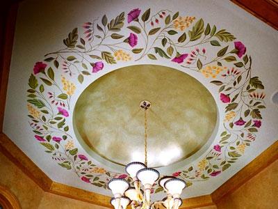 Breakfast nook ceiling